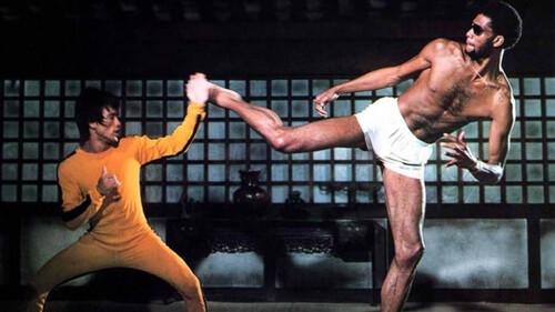 Όταν ο Kareem Abdul Jabbar βρέθηκε στο πλατό με τον Bruce Lee