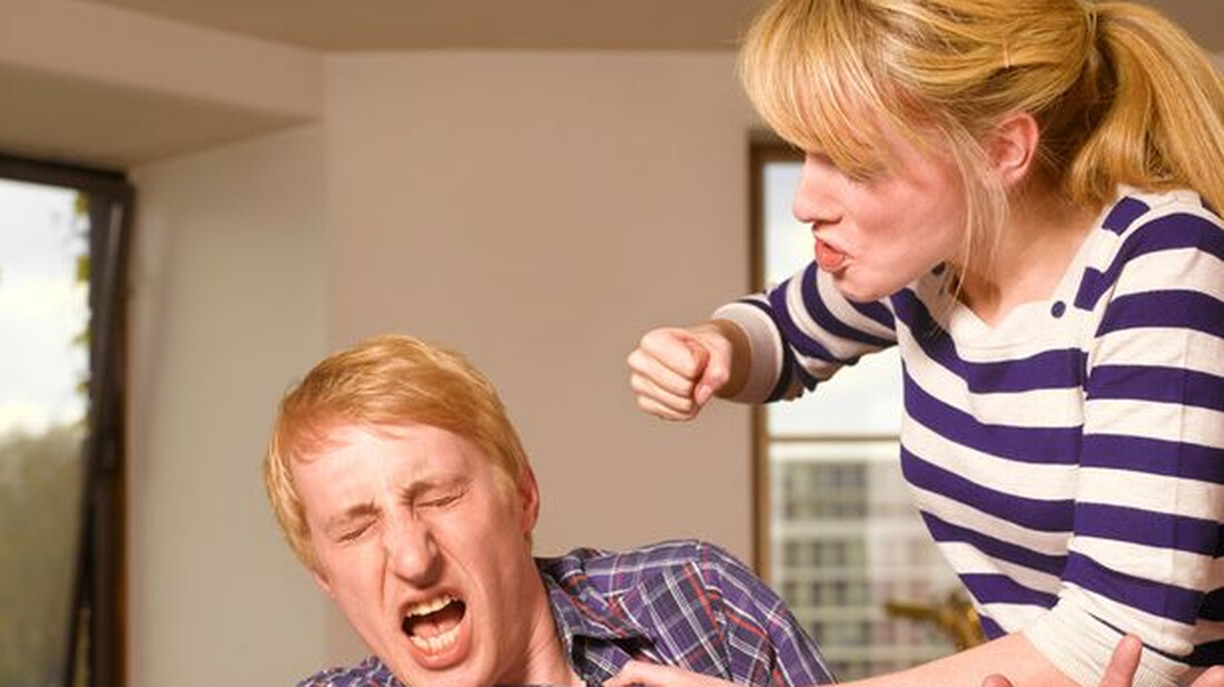 Τον έδειρε γιατί της έριξε χυλόπιτα!