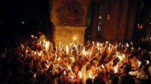 Άγιο Φως: Θαύμα ή τσακμακόπετρα, η ουσία είναι μία...