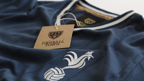 Τα vintage ποδοσφαιρικά μπλουζάκια επιστρέφουν στη μόδα