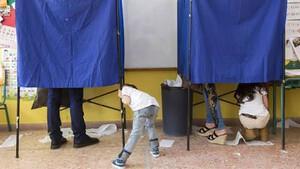 Εκλογές: Δείτε τις απίστευτες γκάφες που έχουν γίνει πίσω από τα παραβάν!