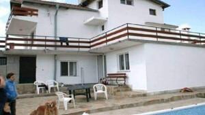 Τρελάθηκε ο κόσμος: Δείτε για ποιο σπίτι ζητάνε 2000 ευρώ ενοίκιο και... κλάψτε!