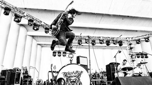 Ο Reignwolf είναι ο καλλιτέχνης που μπορεί να σώσει τα blues rock