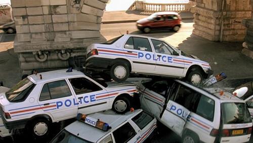 Γιατί τα αυτοκίνητα στις ταινίες χαλάνε συνέχεια;