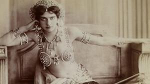 Mata Hari: Η εξωτική γυναίκα που κάηκε από την ίδια της τη φλόγα