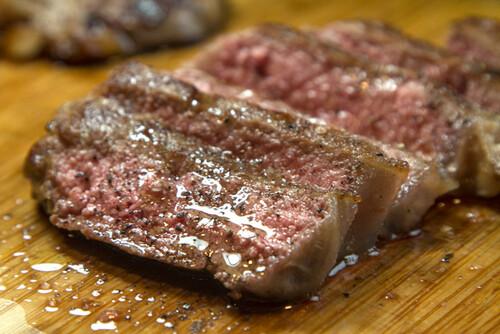 Τι συμβαίνει στους βίγκαν όταν δοκιμάσουν κρέας για πρώτη φορά;