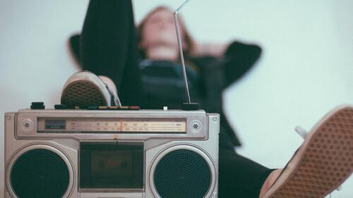 Τότε VS Τώρα: Πώς ακούγαμε μουσική στα 90s χωρίς το Internet και το YouTube;
