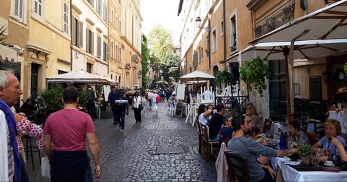 Η ομορφιά της Ρώμης κρύβεται στα στενάκια της