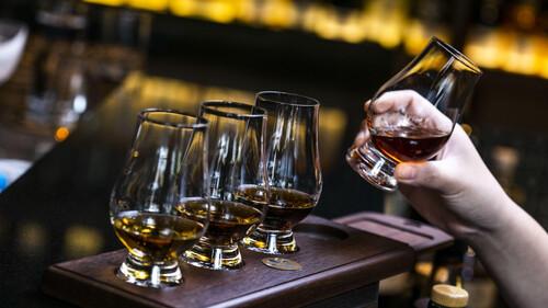 Πώς θα δοκιμάσεις σωστά και αποτελεσματικά το ουίσκι σου