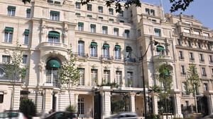 Πώς ένα παλάτι στο Παρίσι έγινε ξενοδοχείο