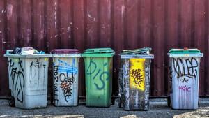 Θησαυρός στα σκουπίδια: Δεν θα πιστεύετε τι βρήκαν ρακοσυλλέκτες στο Παγκράτι