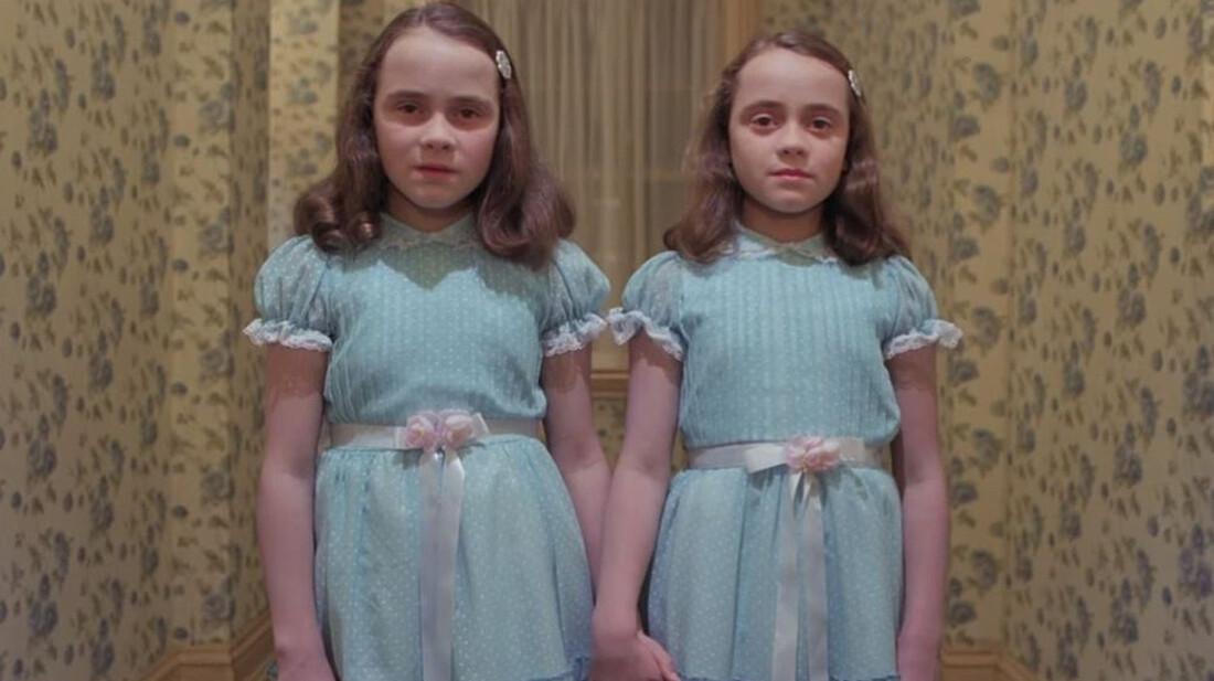 Πώς είναι σήμερα τα τρομακτικά δίδυμα κοριτσάκια από τη Λάμψη