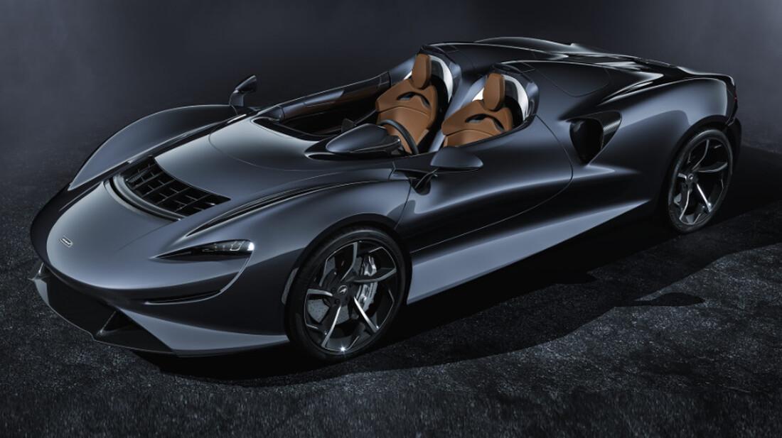 Η McLaren Elva μας υπενθυμίζει τη διαχρονικότητα του μαύρου χρώματος