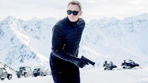 Τα γυαλιά του James Bond είναι ίσως το απόλυτο αντρικό αξεσουάρ