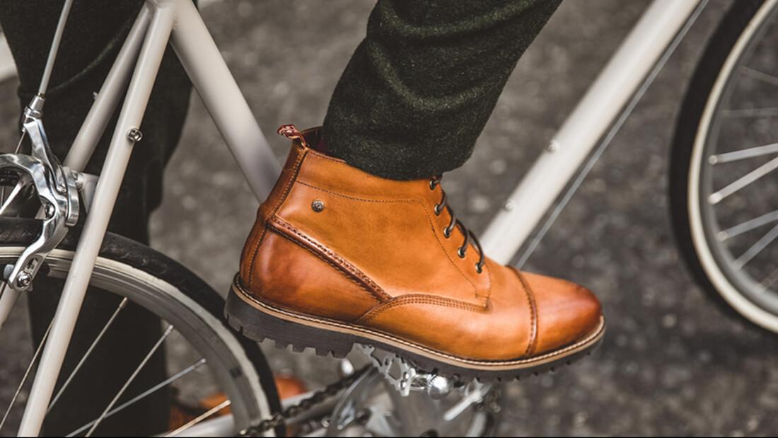 Τα καλύτερα παπούτσια για να τη βγάλεις κι αυτό το χειμώνα