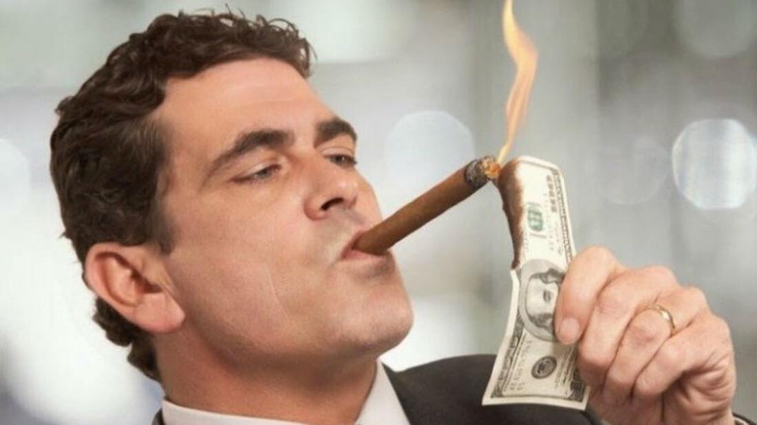 Τι έχει στην κατοχή του ο πιο πλούσιος άντρας στον κόσμο - RatPack.gr