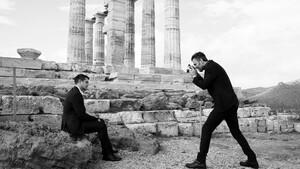 Σπύρος Πώρος: Μαθαίνουμε πώς να ποζάρουμε από έναν επαγγελματία φωτογράφο