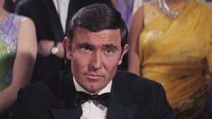 George Lazenby: O αποτυχημένος «Bond» που έγινε πετυχημένος γυναικάς