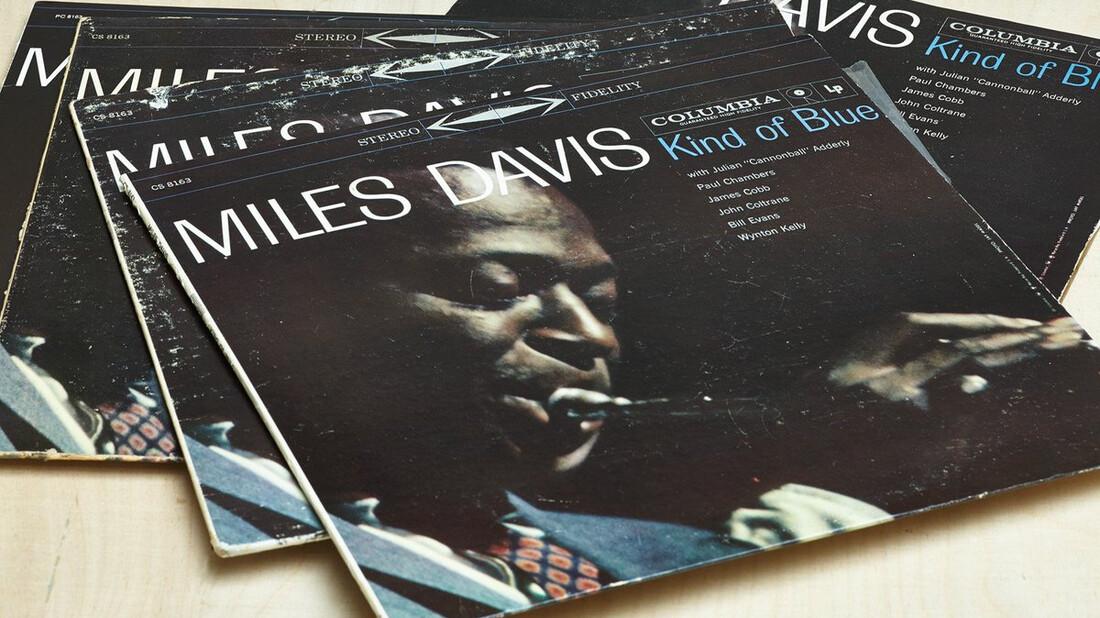 Γιατί πρέπει να ακούσεις το Kind of Blue του Miles Davis