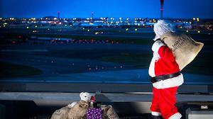 Το να δουλεύεις Χριστούγεννα στο αεροδρόμιο έχει την δική του ξεχωριστή εμπειρία