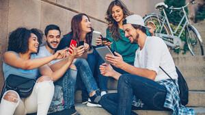 Το να διακόψεις τη σχέση σου με τα social media δεν θα κάνει τη ζωή σου καλύτερη