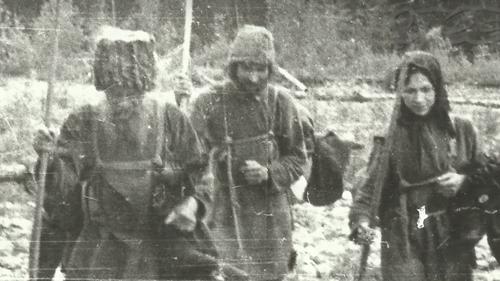 Η συγκλονιστική ιστορία της οικογένειας που δεν γνώριζε ότι έγινε ο Β' Παγκόσμιος Πόλεμος