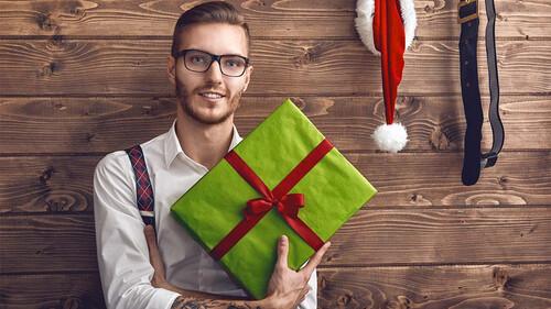 Τι δώρο να πάρεις στον κολλητό σου σύμφωνα με το ζώδιο του