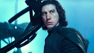 Star Wars: Η συνάντηση Kylo Ren και Palpatine προκαλεί ανατριχίλα