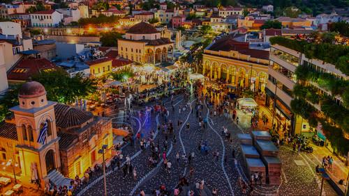Γιατί το highballing είναι ό,τι πιο φρέσκο παίζει στην Αθήνα
