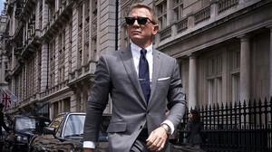 Μία ματιά στην διαχρονικά σικάτη γκαρνταρόμπα του James Bond