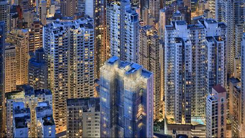 Το Χονγκ Κονγκ πριν το ηλιοβασίλεμα γίνεται μπλε