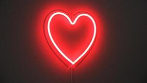 Νέος έρωτας στην ελληνική showbiz (photos)