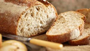 Δεν έχεις να της μαγειρέψεις τίποτα παρά μπαγιάτικο ψωμί; Κανένα πρόβλημα