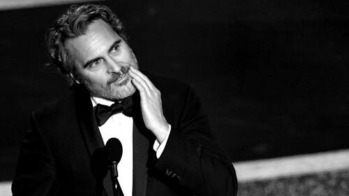 Κανείς δεν γελάει με τον Joaquin Phoenix