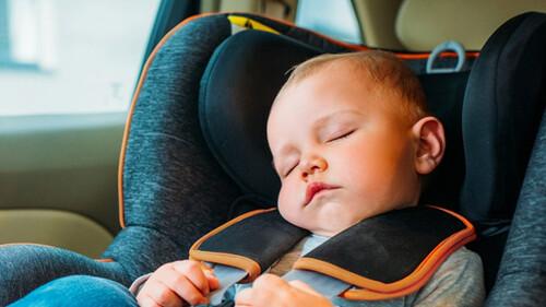 Δες γιατί τα μωρά νανουρίζονται μέσα στο αυτοκίνητο
