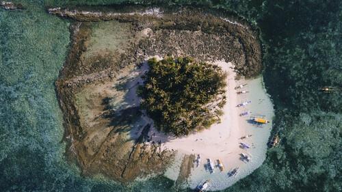 Σκέφτεσαι από τώρα τα νησιά και τις διακοπές;
