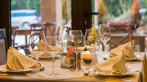 Πανικός σε εστιατόριο: Έξαλλος ο σερβιτόρος – Δείτε τι κάνουν σιχαμένοι πελάτες (pics)