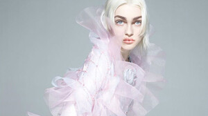 Tο πρώτο virtual μοντέλο στο νέο εξώφυλλο της Vogue είναι γεγονός