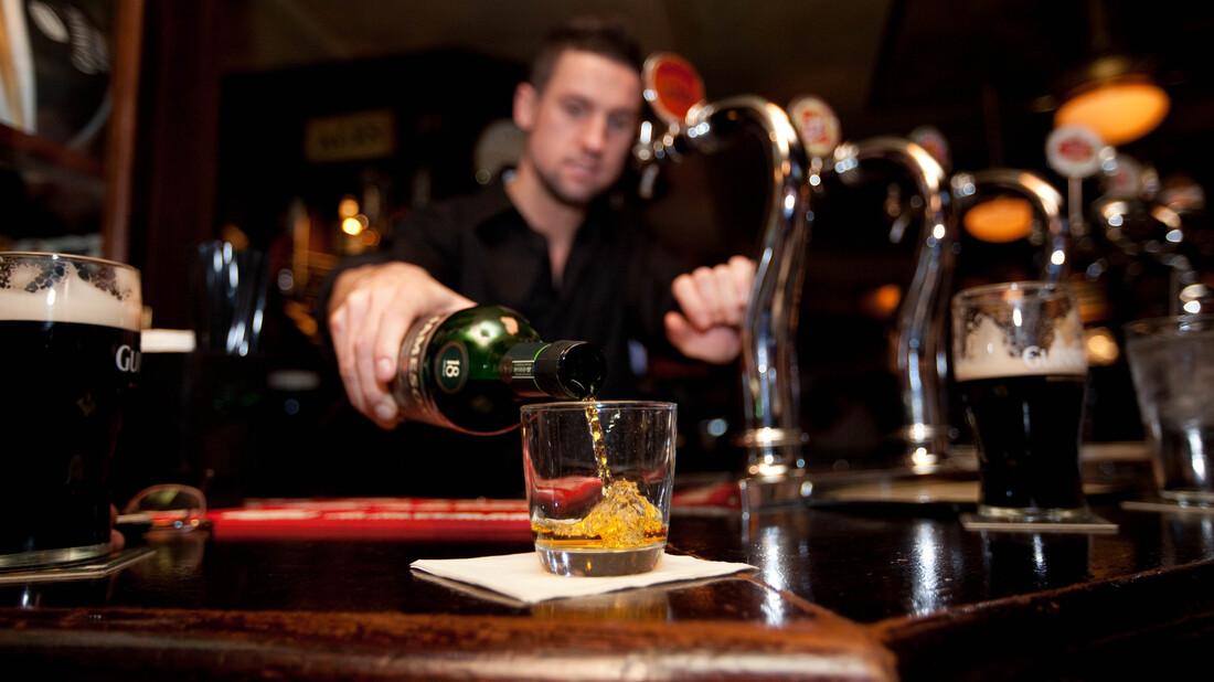 10 ιρλανδικά ουίσκι που τιμούν το St. Patrick's Day