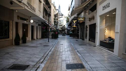 Η άδεια Αθήνα συνεχίζει να είναι μία τρομαχτική εικόνα
