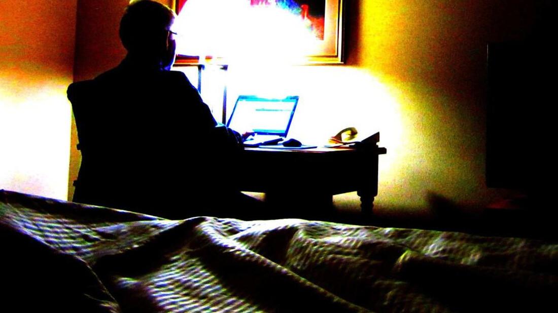 Έρευνα: ο κόσμος βλέπει όλο και περισσότερο ερωτικό περιεχόμενο στο Internet