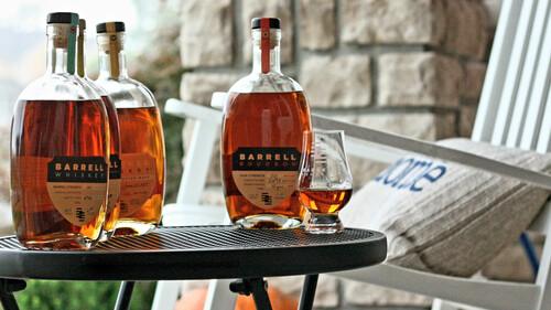 Το Barrell μόλις κέρδισε τον τίτλο του καλύτερου bourbon στον κόσμο