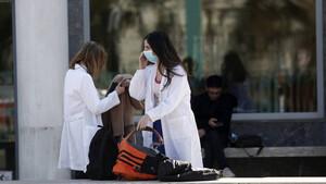 Κορονοϊός: Αυτά είναι τα δύο βασικά συμπτώματα του ιού που έχουν σχεδόν όλοι
