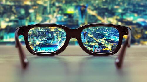 Έρευνα: Γιατί σε λίγο καιρό δεν θα φοράει κανείς γυαλιά