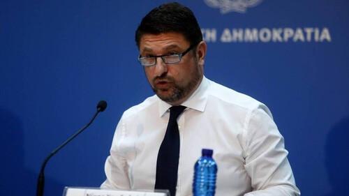 Νίκος Χαρδαλιάς: Ο «αυστηρός» υπουργός όπως δεν τον έχετε ξαναδεί!