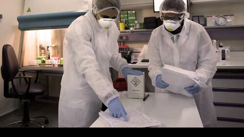 Κορονοϊός: Δάκρυα χαράς - Δοκιμάστηκε με επιτυχία θεραπεία που νικάει τον ιό σε 3 ημέρες