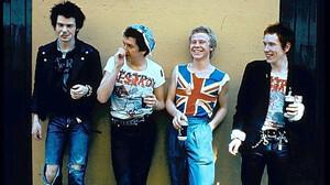 Πώς να περπατήσεις στα βήματα των θρυλικών Sex Pistols