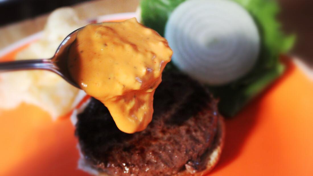 Όλες οι σάλτσες που μπορείς να βάλεις στα μπέργκερ και τα σάντουιτς