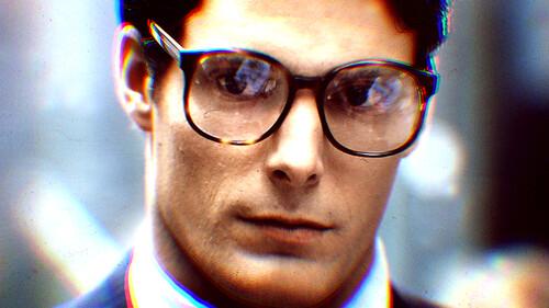 Τα γυαλιά που θα βγάλουν τον Clark Kent από μέσα σου
