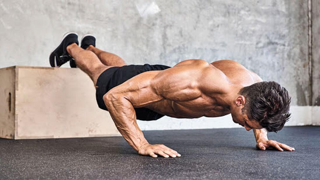 Τι μπορούν να σου δώσουν 300 push-ups κάθε μέρα για ένα μήνα;